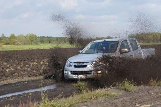 Исузу грязи не боится.